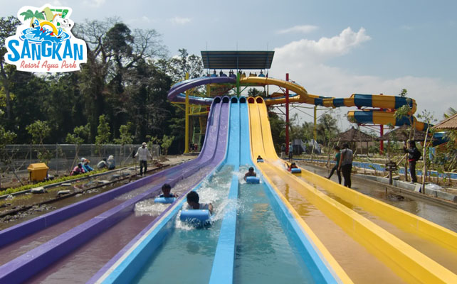 waterslide waterboom