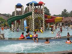 waterboom kolam renang