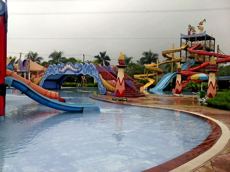 Kontraktor Kolam Waterpark